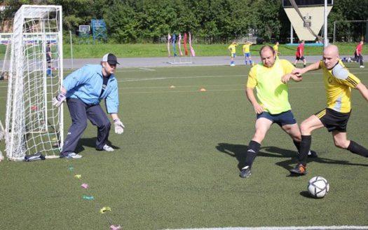 В футбол играю настоящие «банкиры»!